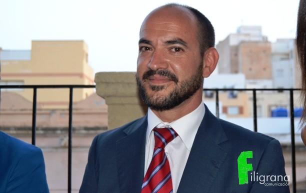 Tras poner en marcha AMRA y cumplir objetivos, el profesor Blas Fuentes se aparta de la presidencia